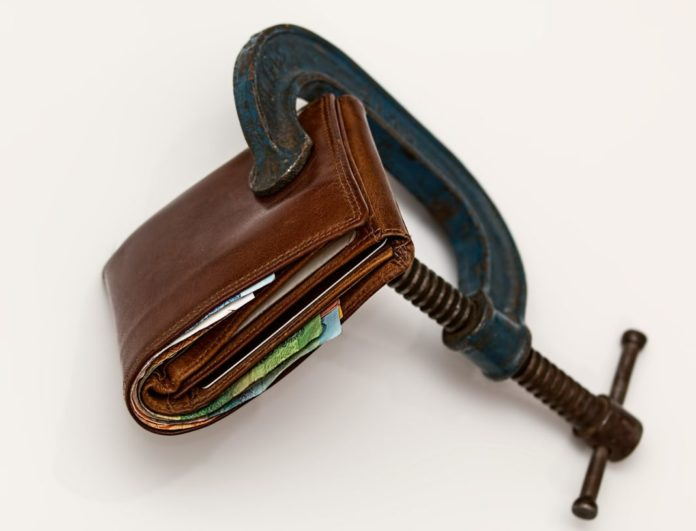 Manage Your Money with These Effective Budgeting Tips