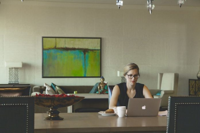 Pregnancy is the Perfect Time to Consider Working at Home