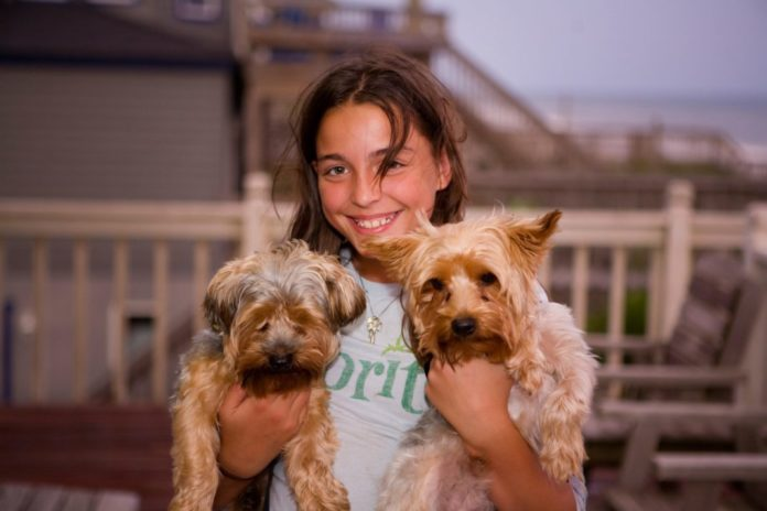 Teaching Kids to be Responsible Pet Owners