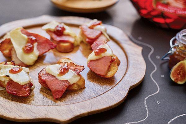 Recipe: Ham and Brie Crostini with Fig Jam