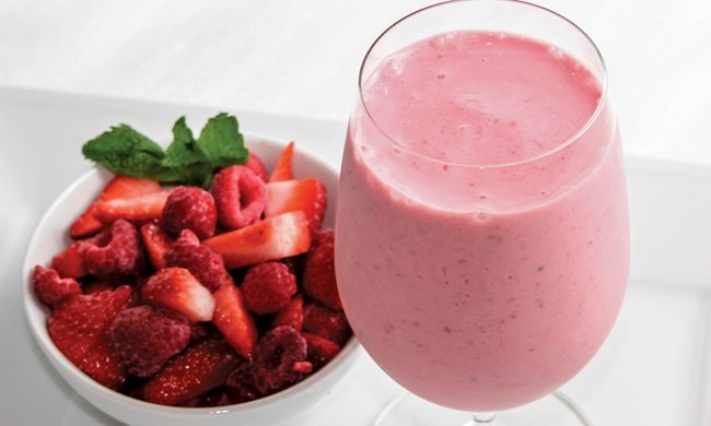 Raspberry-Strawberry Yogurt Smoothie Recipe