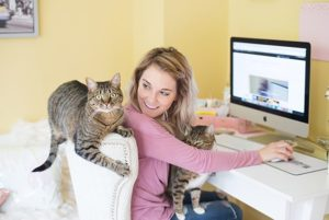 Spending Quality Time Together with your cat is healthy for both of you | Family Life Tips Magazine