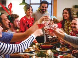 bring the wine to Christmas dinner | Family Life Tips
