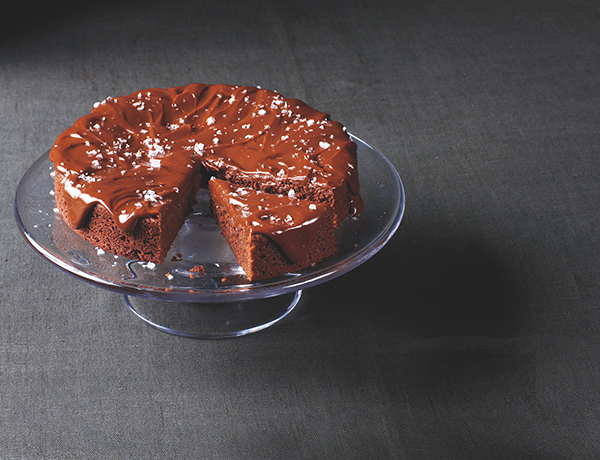 Recipe: Double-Chocolate Olive Oil Cake with Salted Chocolate Caramel Icing | Family Life Tips