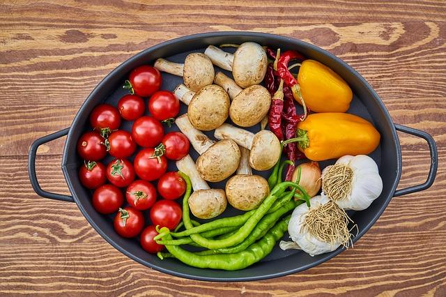 shop seasonal foods to save money