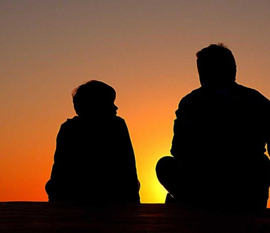 Father and Young Son Talking Things Out | Family Life Tips