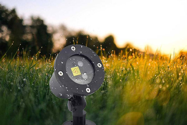 Outdoor or Indoor Waterproof Yard Projector Light | Family Life Tips Magazine
